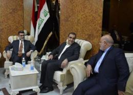 وزیر بهداشت برای گفت وگو با مقام های ارشد عراق وارد بغداد شد
