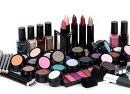 عضو تشکل صنفی: صنایع آرایشی-بهداشتی توان صادرات بیشتر دارند/ ۲ میلیارددلار واردات غیرقانونی
