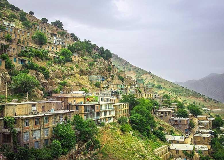 قدیمی ترین روستای تاریخی جهان از پلکان می افتد؟!