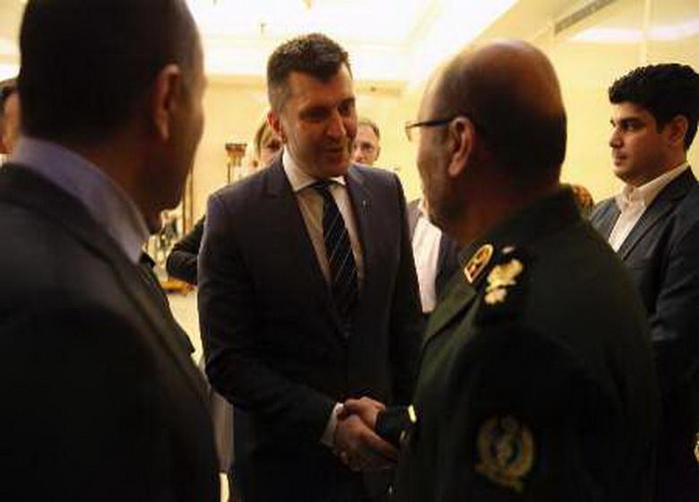 مذاکرات وزیر دفاع ایران و همتایان صربستانی و ونزوئلایی در مسکو برگزار شد