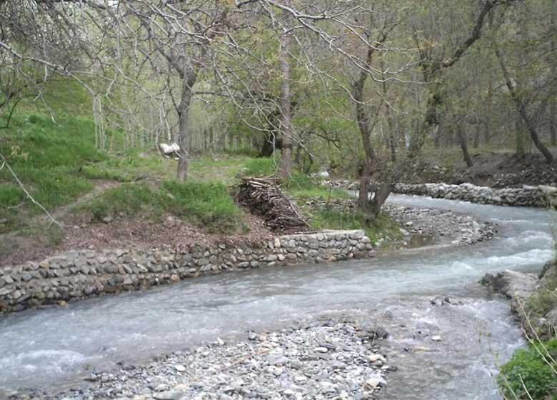 کنار رودخانههای تهران اتراق نکنید