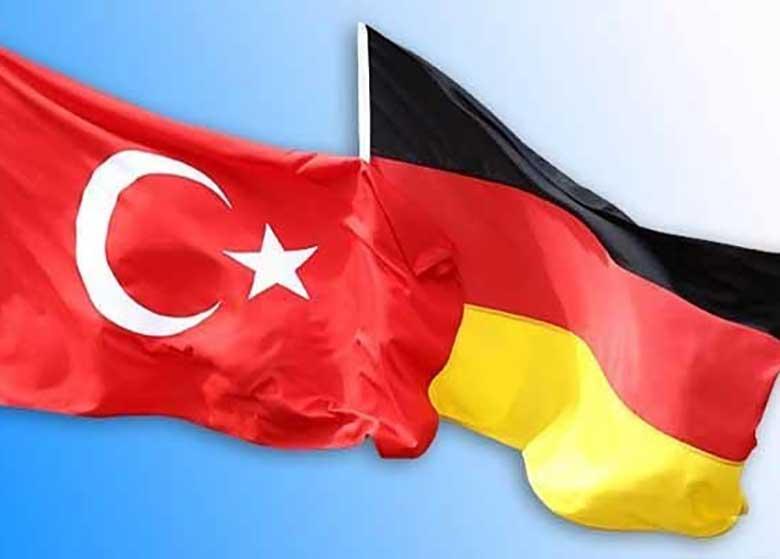 رئیس حزب سبز آلمان نسبت به نظام دیکتاتوری در ترکیه هشدار داد