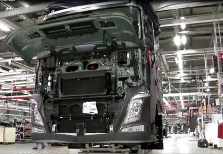 تولید چند خودروی سنگین متوقف شد