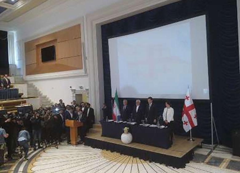 ظریف: ایران می تواند نقش موثری در تقویت زیرساخت های گرجستان داشته باشد