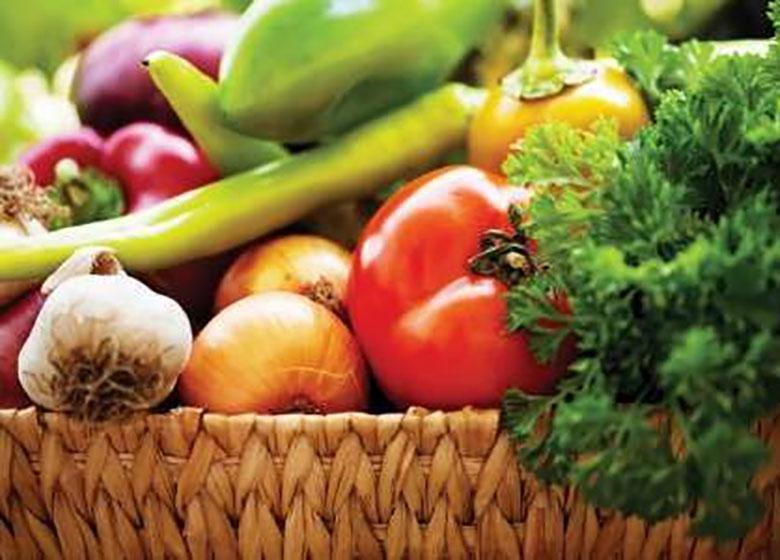 فقط واردات چهارنوع میوه آن هم با رعایت شرایط آزاد است