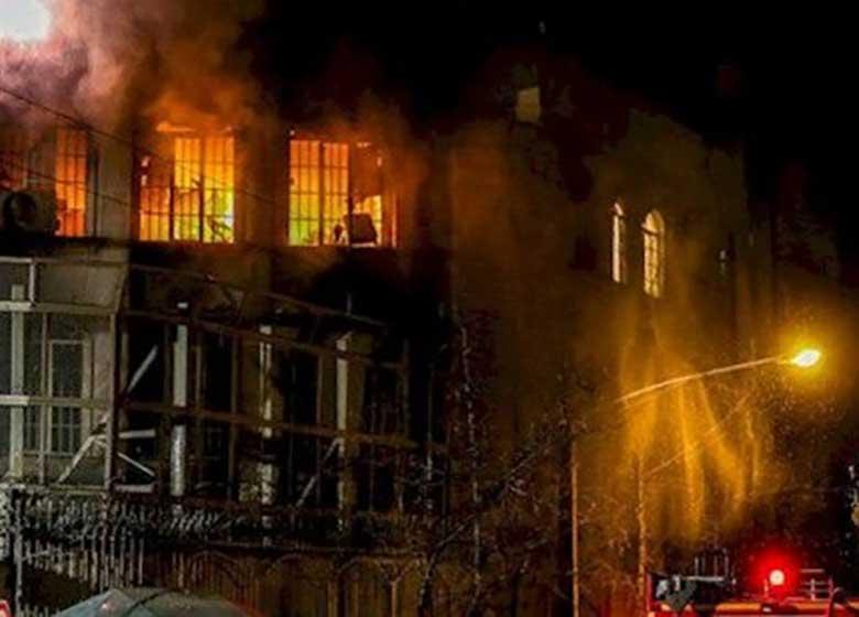 هنوز در و پنجره سفارت عربستان تعمیر نشده است