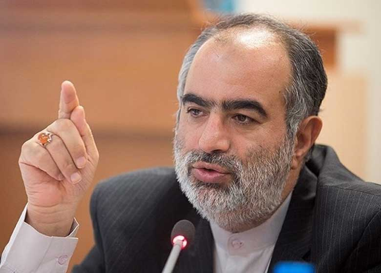 ناراحتی حسامالدین آشنا از افشاگری سازنده مستند تبلیغاتی روحانی