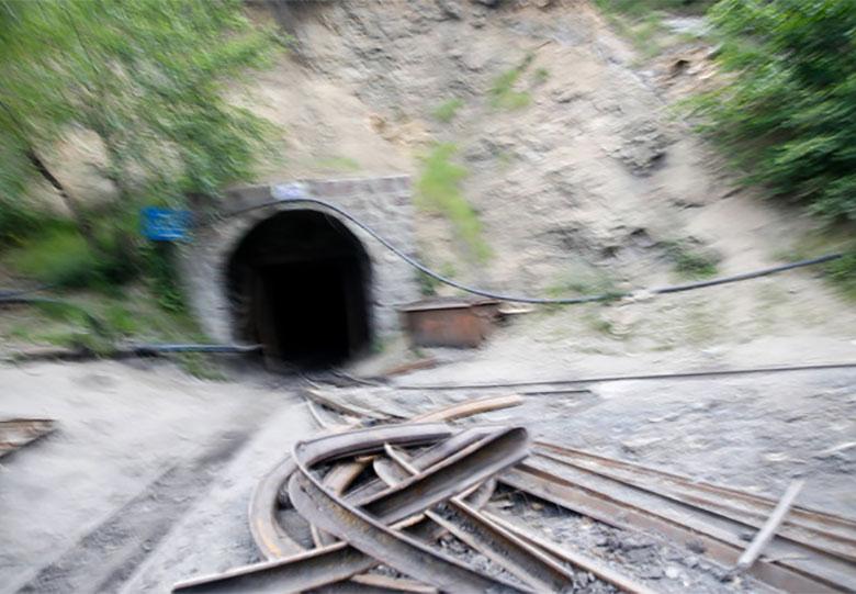 توقف معاملات فرابورس به احترام جان باختگان حادثه معدن یورت
