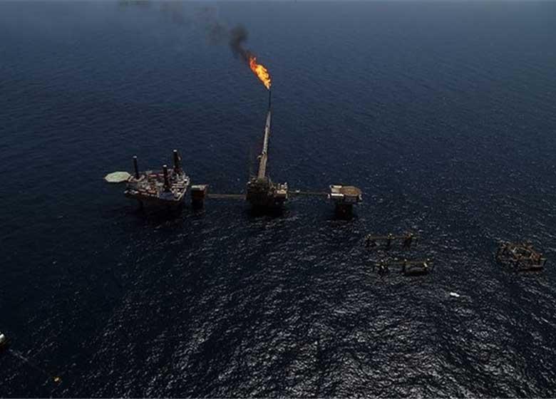 کاهش سطح تولید نفت ایران از یک میدان مشترک با عربستان
