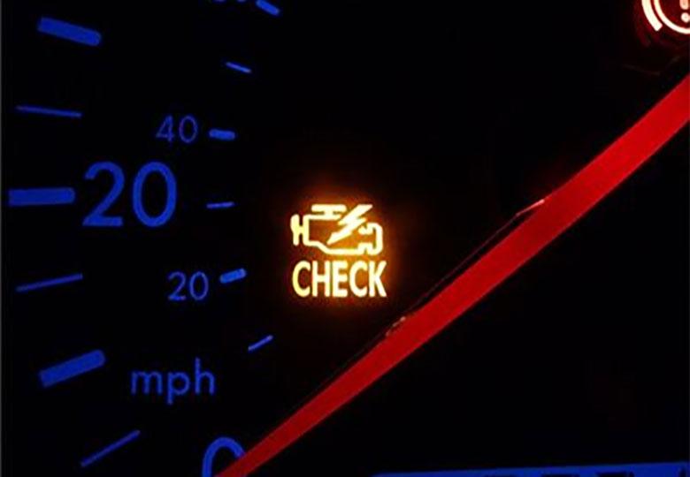 رایجترین علل روشن شدن چراغ چک خودرو