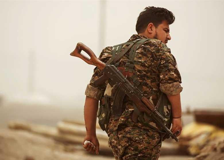 آمریکا از ارسال سلاح برای کردهای سوریه خبر داد/یک مقام آمریکایی: عملیات رقه نزدیک است