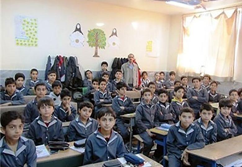 بازنشستگی ۳۰۰ هزار معلم سونامی کمبود نیرو راه میاندازد