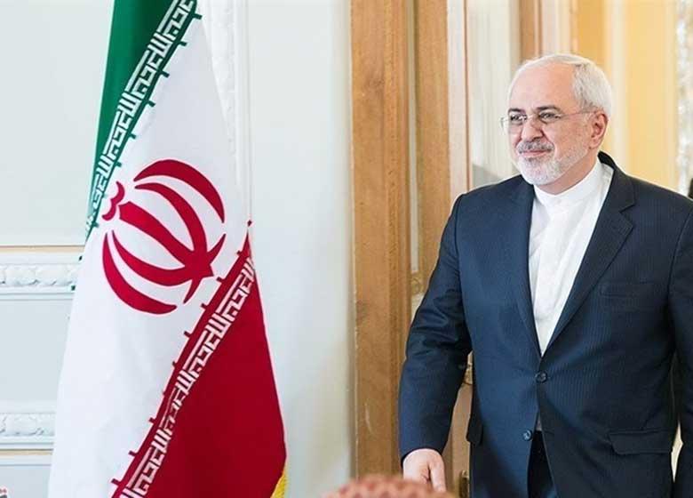 ظریف در صدر یک هیات بلند پایه وارد پاکستان شد