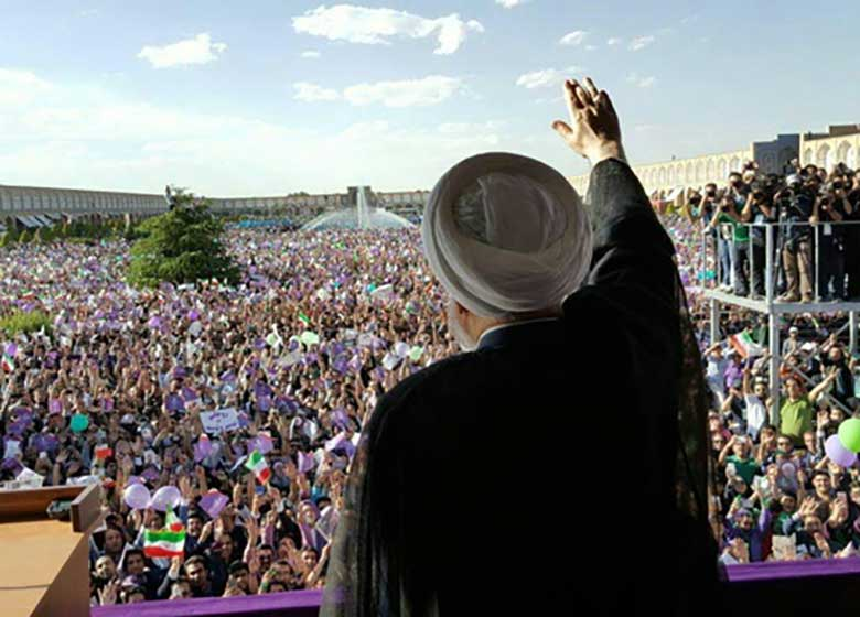 روحانی: با دکتر ظریف مابقی تحریمها را هم برخواهیم داشت/ ده بار تصمیم گرفتند که شبکههای اجتماعی را ببندند ولی این روحانی بود که در برابر این تصمیم ایستاد