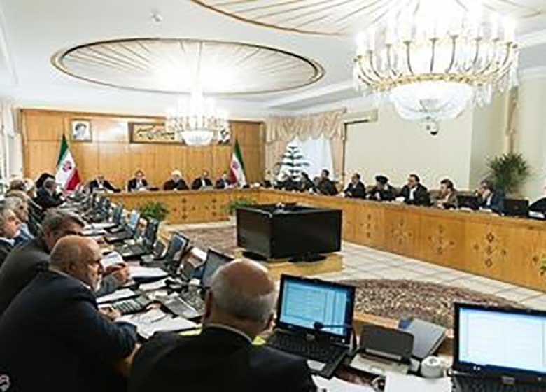 اولین گمانه زنی ها از تغییرات کابینه دوم روحانی + اسامی
