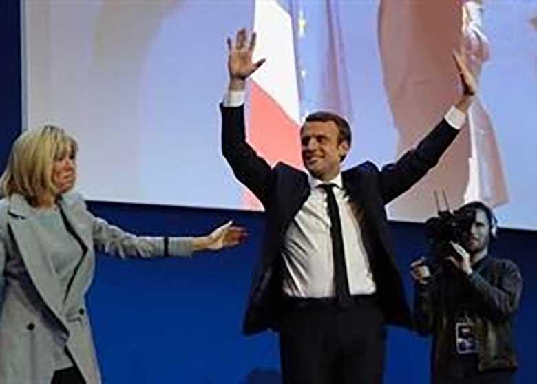 نخست وزیر و کابینه فرانسه استعفا کردند