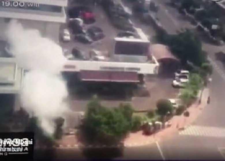 داعش مسئولیت انفجارهای جاکارتا را بر عهده گرفت