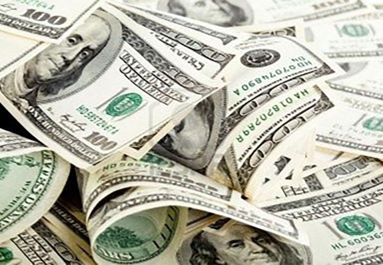 دلار مرز ۳۷۲۰ تومان را شکست