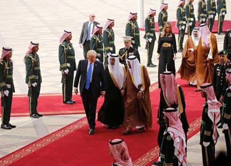 ترامپ در عربستان غذای حلال می خورد