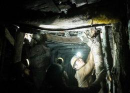 تا احقاق حقوق معدنچیان در کنارشان میمانیم