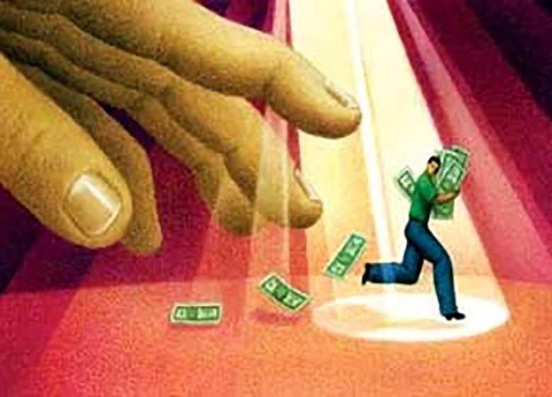 ۴۰ درصد اقتصاد ایران خود را از مالیات معاف کرده است/ برای پرداخت مالیات مقاومت میکنند