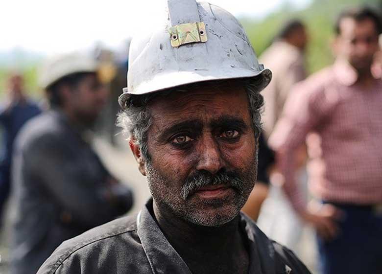 ابراز همدردی «خانواده شهدای آتشنشان پلاسکو» با خانودههای معدنچیان جانباخته معدن آزادشهر