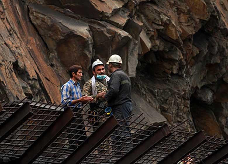 هویت اجساد ۵ معدنچی حادثه معدن آزادشهر شناسایی شد