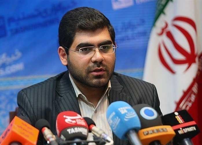 """مسئول ستاد دانشجویی رئیسی: وزرا و معاونان روحانی """"امنیتی"""" هستند"""
