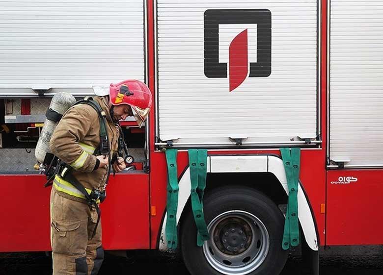 نجات ۸۰ پرسنل و بیمار از آتشسوزی در بیمارستان صدر