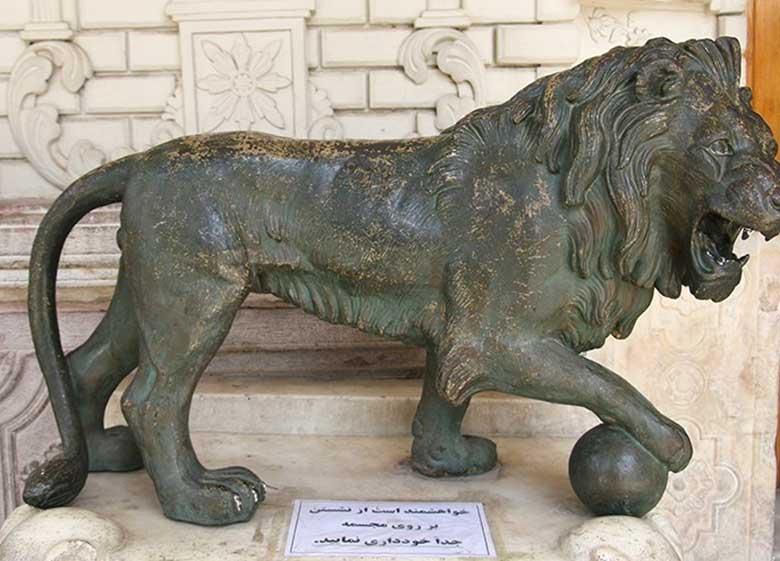 ماجرای کشف چند صد هزار سند در صندوقهایی کاخ گلستان