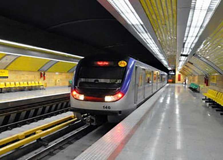 جمعهها روی متروی تهران – کرج حساب نکنید؛ تا پایان شهریور