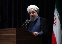 تصویری جالب از دیدار حسن روحانی با فعالان ستادهای انتخاباتی