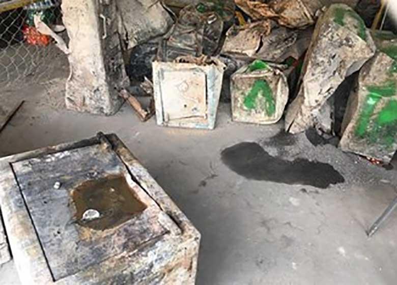 ۹ گاو صندوق بازمانده از حادثه پلاسکو باز شد