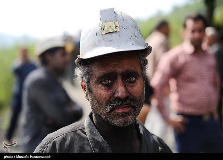 ابراز همدردی «خانواده شهدای آتشنشان پلاسکو» با خانوادههای معدنچیان جانباخته معدن آزادشهر