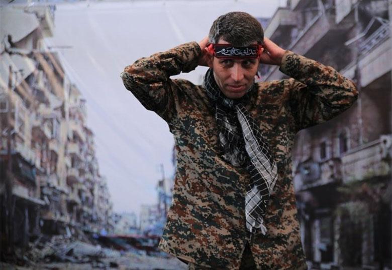 مدافعان حرم به نمایشگاه کتاب تهران آمدند+عکس