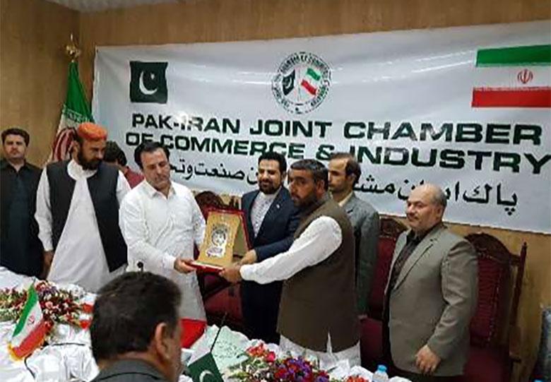 تاکید بر توسعه روابط تجاری ایران-پاکستان در ملاقات تجار پاکستان با سرکنسول ایران در کویته