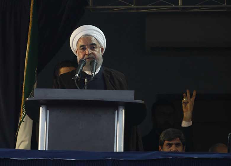 چرا مردم ایران را دستهبندی میکنید؟ به خاطر رای؟! رای حرام میخواهید بگیرید؟! /اگر دین ندارید، لااقل آزادمرد باشید / با آتش زدن سفارت ریزگرد حل نخواهد شد