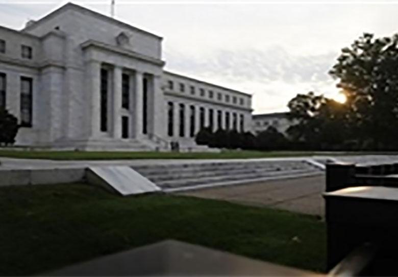 بانک مرکزی آمریکا نرخ بهره را به دلیل رشد ضعیف اقتصادی این کشور ثابت نگه داشت