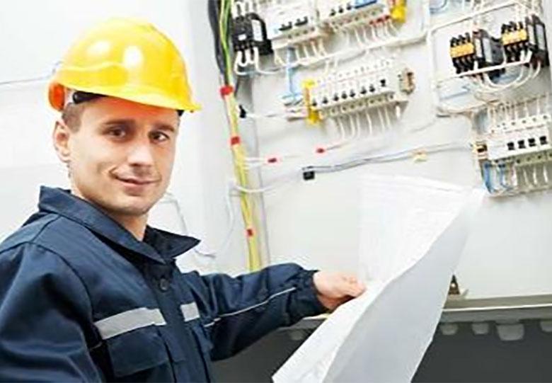 کاهش هزینه برق صنعتی به کاهش خاموشیها کمک میکند