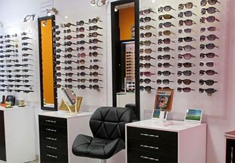 عینک آفتابی استاندارد چند؟