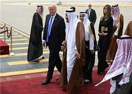 چاپلوسي سعودي ها از ترامپ به مذاق صهيونيستها خوش نيامد!