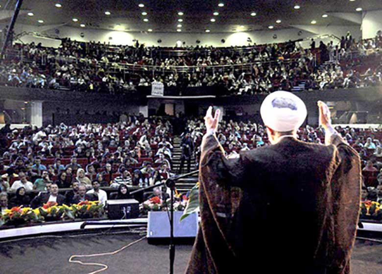 تجلیل از ۱۶ نخبه تهرانی در جشنواره نشاط و امید تهران