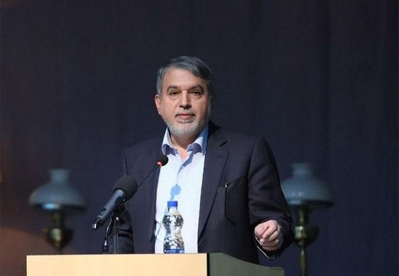 وزیر ارشاد از نمایشگاه کتاب بازدید و با ناشران گفت و گو کرد