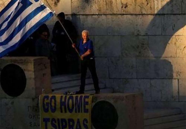 یونان بار دیگر وارد رکود شد