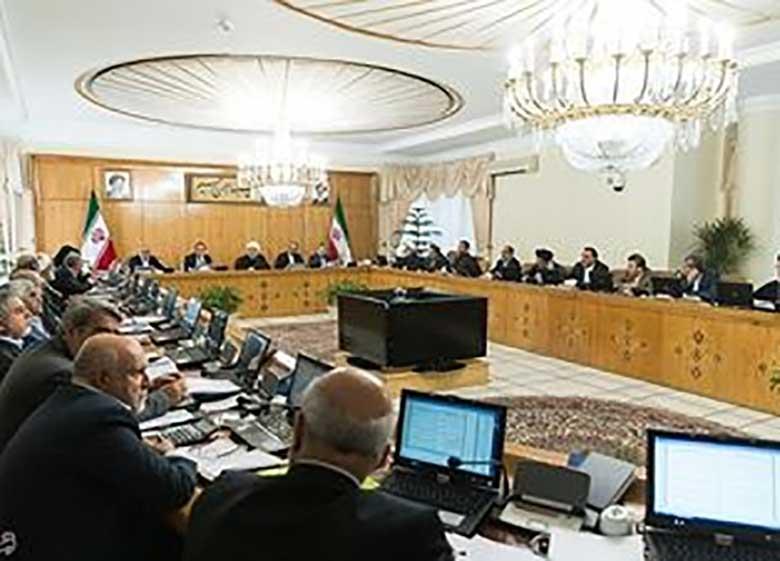 جدیدترین گمانه زنی تغییرات دولت از زبان نمایندگان مجلس / جدایی قطعی ۳ وزیر + اسامی