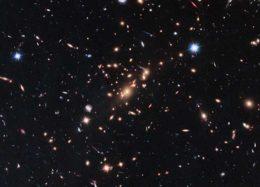 """تصویر جذاب ناسا از یک کهکشان """"مرده""""!"""