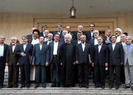 کسی نمیتواند برای چینش کابینه، به روحانی دستور دهد/وزیر بدون برنامه نمیتواند معجزه کند