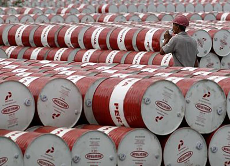 زمینهها خروج ایران از خامفروشی نفت
