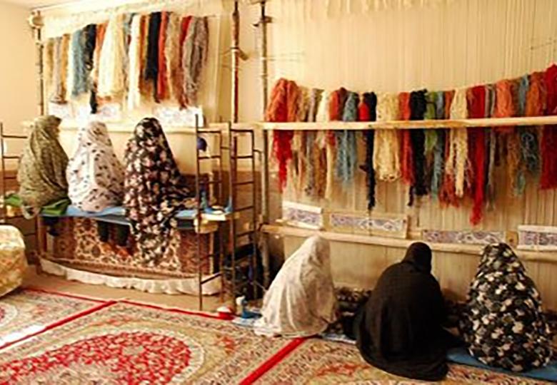 قالیبافان و شاغلان صنایع دستی واجد شرایط بیمه میشوند