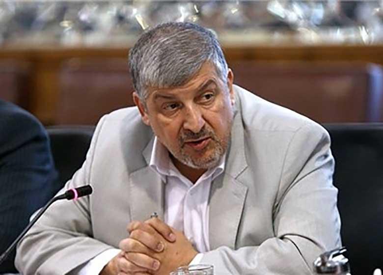 مشاور لاریجانی: واقعا بین اصولگرایان ۴ نفر پیدا نمیشوند که وزیر شوند؟ /مسائل مهم در اتاقهای فکر حل و فصل شود نه کف خیابان